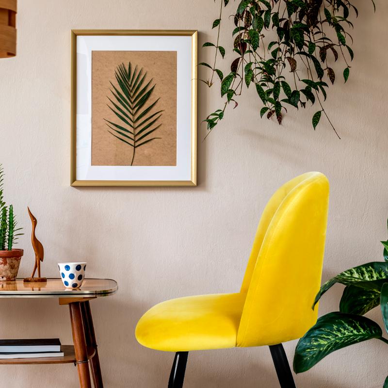 poltrona greco amarilla ambientada